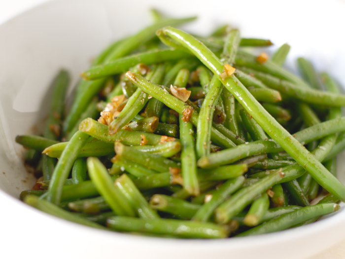 Spicy haricot vert green beans in a bowl