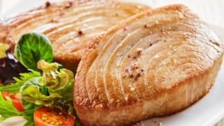 List of Safe & Unsafe Seafood to Eat During Pregnancy