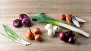 Shallots vs Onions: What's the Difference