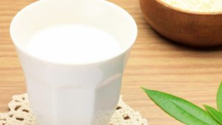 Skim Milk: Nutrition & Benefits
