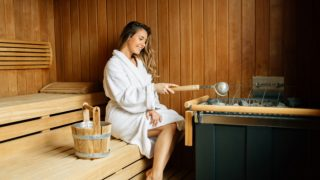 Steam Sauna: Benefits & Risks