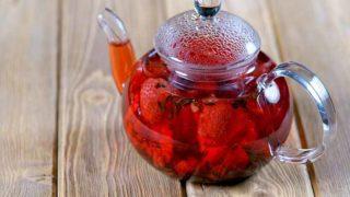 How to Make Strawberry Tea