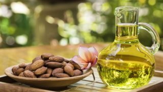 8 Amazing Benefits of Sweet Almond Oil for Skin & Hair