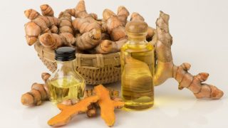 12 Amazing Turmeric Essential Oil Benefits & Uses