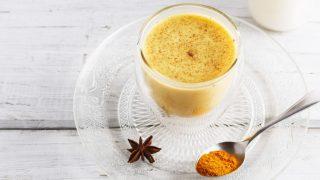 7 Incredible Benefits of Turmeric Milk (Golden Milk)