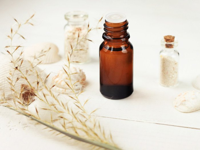 8 Surprising Benefits of Vetiver Essential Oil | Organic Facts