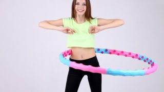 Weighted Hula Hoop Workout – Benefits & Exercises