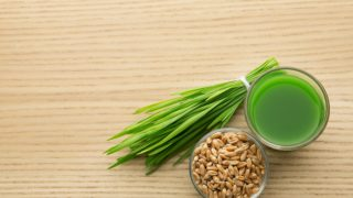 Wheatgrass Juice: Benefits, Recipe, & FAQs