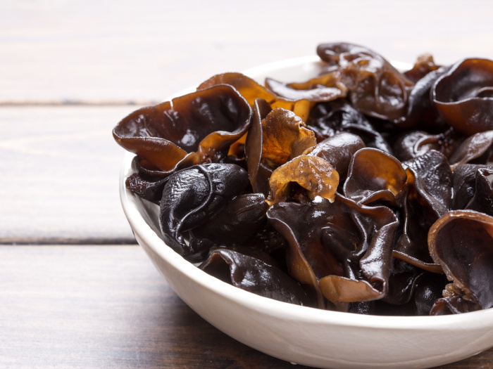 Wood Ear Mushrooms: Nutrition & Recipes
